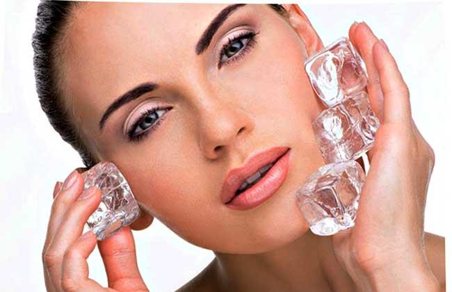 Компрессы для лица с помощью льда