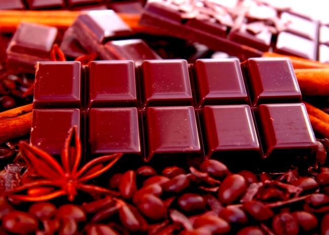Шоколад повышает уровень эндорфинов