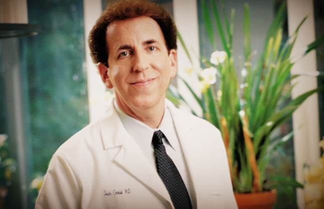 Dr. Dean ornish talks in a live radio interview about his program.