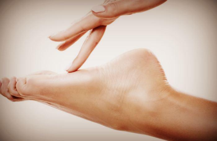 Правильный уход за ногами ступнями