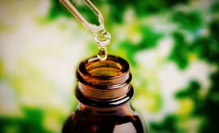 Применение масла чайного дерева в косметологических целях