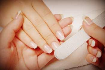 Шлифовка ногтей пилкой