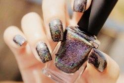 Голографические ногти