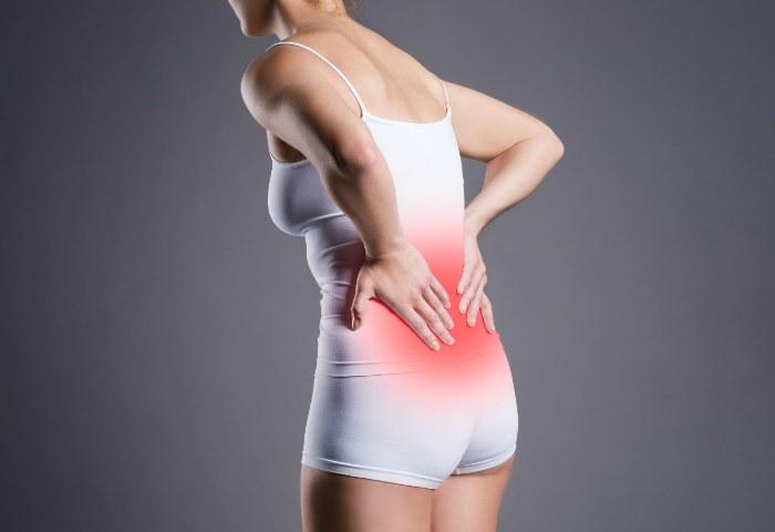 Симптомы пиелонефрита у женщин - боли в области поясницы