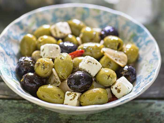 Оливки с сыром Фета