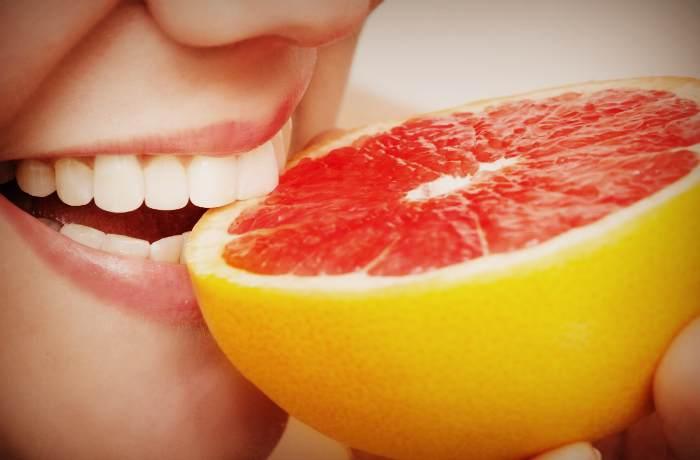 Употребление грейпфрута может превести к проблемам с эмалью зубов