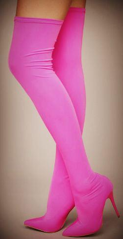 Розовые на шпильки с острым носком