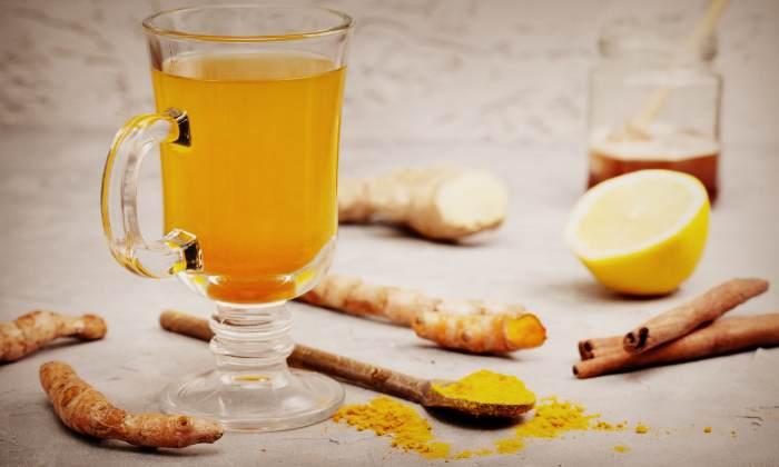 Отвар из куркумы с корицей и лимоном