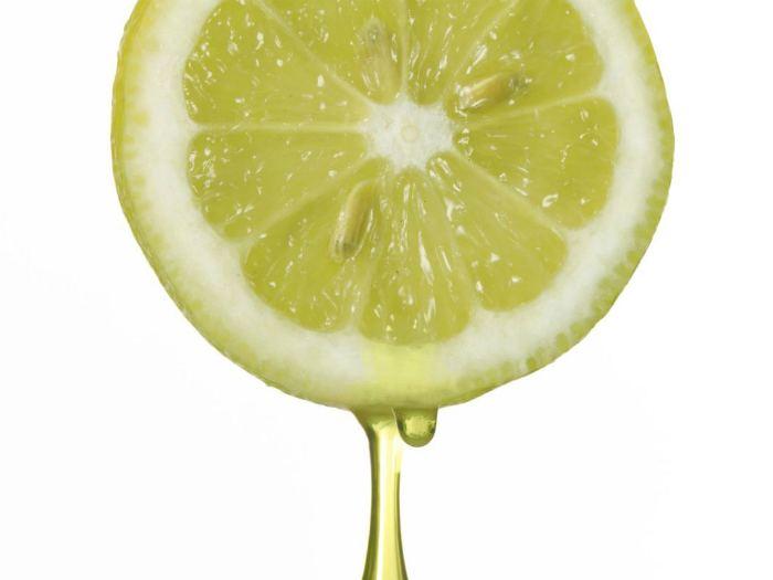 Сок лимона для протирания лица