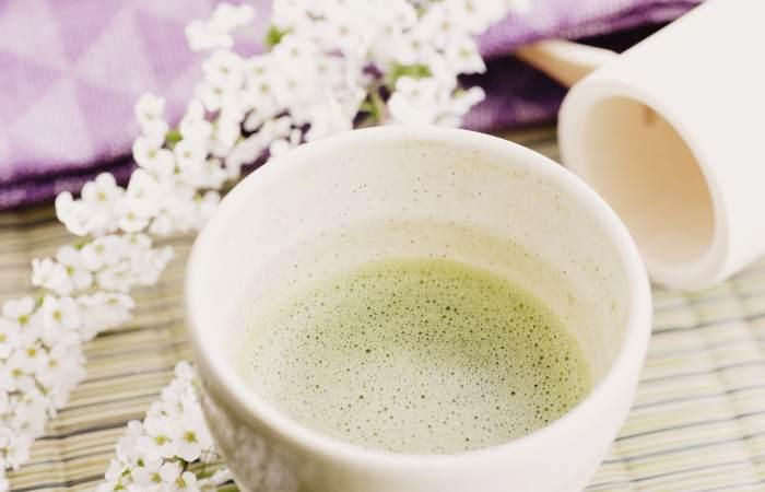 Заваривание чая из цветков Таволги
