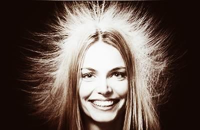 Электризация волос при расчесывании
