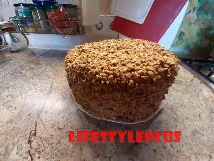 Приготовленный торт